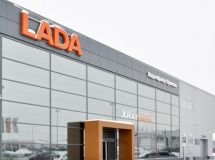 There are 3,466 car dealers in Russia