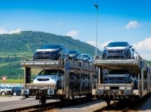 The import of passenger cars fell by 4% in January - April