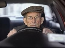What cars do pensioners and people of pre-retirement age own in the Russian Federation?