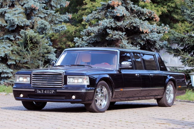 Zil tests the domestic limousine for president
