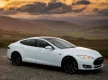 Sales of Tesla in Russia in the first half of the year fell by half
