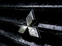 Mitsubishi reduces the price of parts in Russia to 50%
