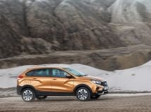 Every third sold LADA XRAY car is in Cross version