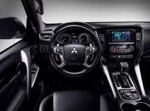Mitsubishi Outlander and PajeroSport get Yandex.Auto as a standard system