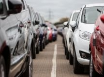 The world car market fell by 10% in August