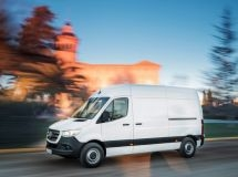 Mercedes-Benz increased sales of LCV by 6% in Russia in 2020