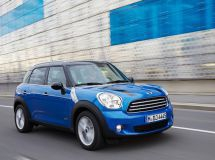MINI has equipped Countryman and Paceman with all-wheel drive system